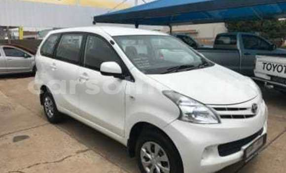 Buy Used Toyota Avanza White Car in Maseru in Maseru